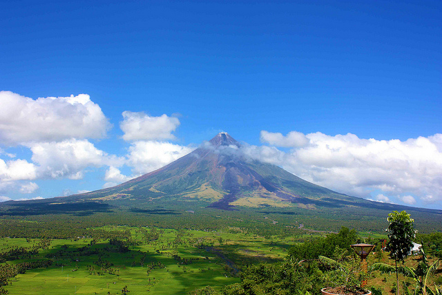 núi-lửa-Mayon-Albay-Philippines