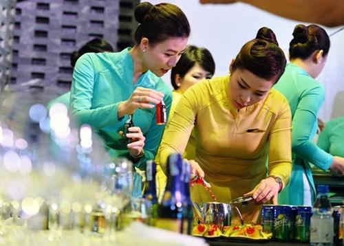 Vietnam Airlines ban hang mien thue tren may bay. Anh: minh hoa.